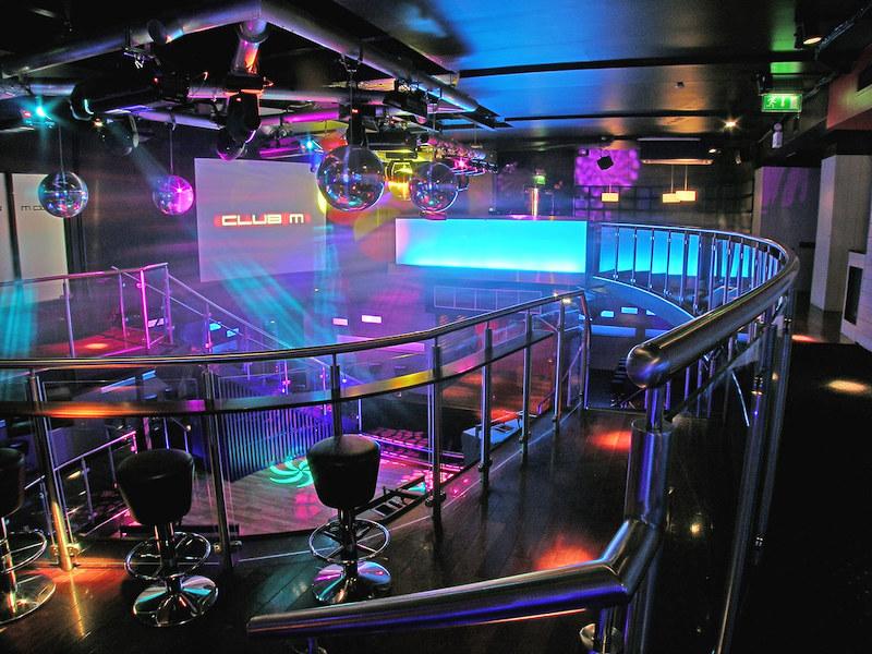 Baladas em Dublin: The Club M