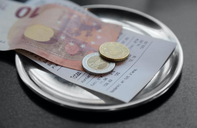 Quanto dinheiro levar: pagar conta