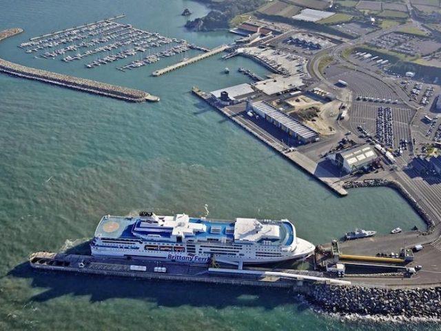 Confira como ir de ferry da Irlanda a França