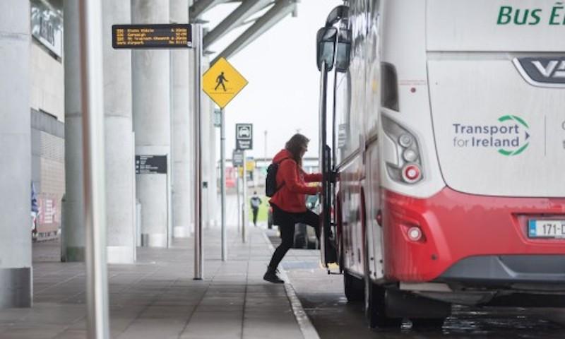 Como ir do aeroporto de Cork até o centro turístico: ônibus